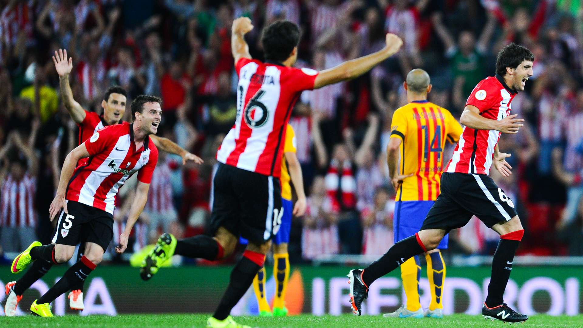 BILBAO, SPAIN - AUGUST 14: Mikel San Jose (R) of Athletic Club celebrates after scoring the opening goalduring the Spanish Super Cup first leg match between FC Barcelona and Athletic Club at San Mames Stadium on August 14, 2015 in Bilbao, Spain. (Photo by David Ramos/Getty Images)